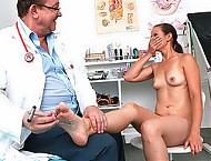 Sporty Euro female Paolina speculum vagina exam