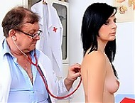 Slim babe Maggie Nessi cunt check-up
