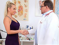 Awesome blonde went to obgyn clinic to have her va...