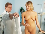 Faye cunt examination with speculum and other gyno...